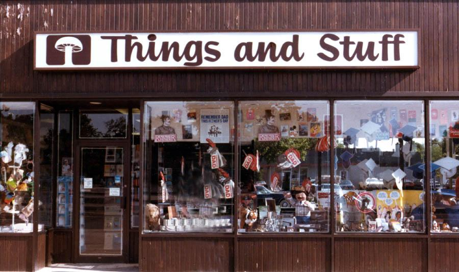 "tienda ""things and stuff"""